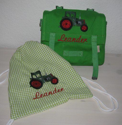 Kindergartentaschen-Set mit Namen Traktor gestickt