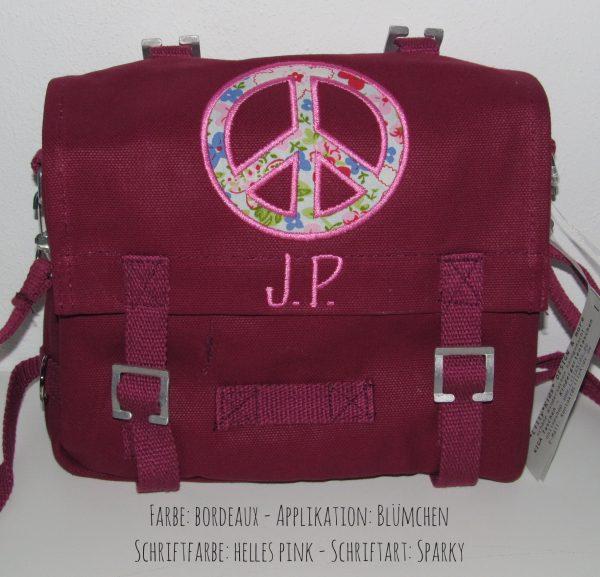 Kindergartentasche mit Namen und Peace