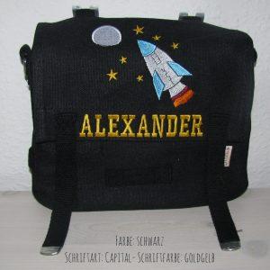 Kindergartentasche mit Namen und Rakete gestickt