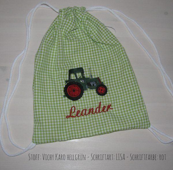 Turnbeutel mit Namen und Traktor